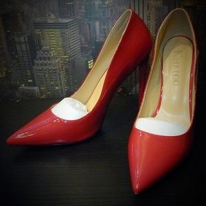 Shoes - NWOB Pointed Toe Size 10/11 Pumps With Red Soles